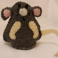 The mice come in different colours.  Mice can be purchased for £6.00 each.  Please ask for more details.